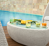 Rattan am Pool: Wellness pur!