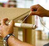 Loom-Möbel werden sorgfältig in Handarbeit hergestellt