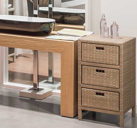rattanschrank aussen m bler med egna h nder. Black Bedroom Furniture Sets. Home Design Ideas