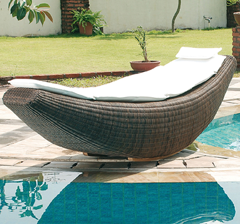 rattan schaukelliege banana out rattan loom korb. Black Bedroom Furniture Sets. Home Design Ideas